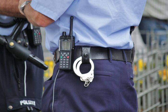 Policja Gniezno: Odpowiedzą za uszkodzenie mienia i groźby
